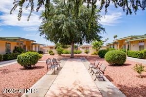 9920 W LANCASTER Drive, Sun City, AZ 85351