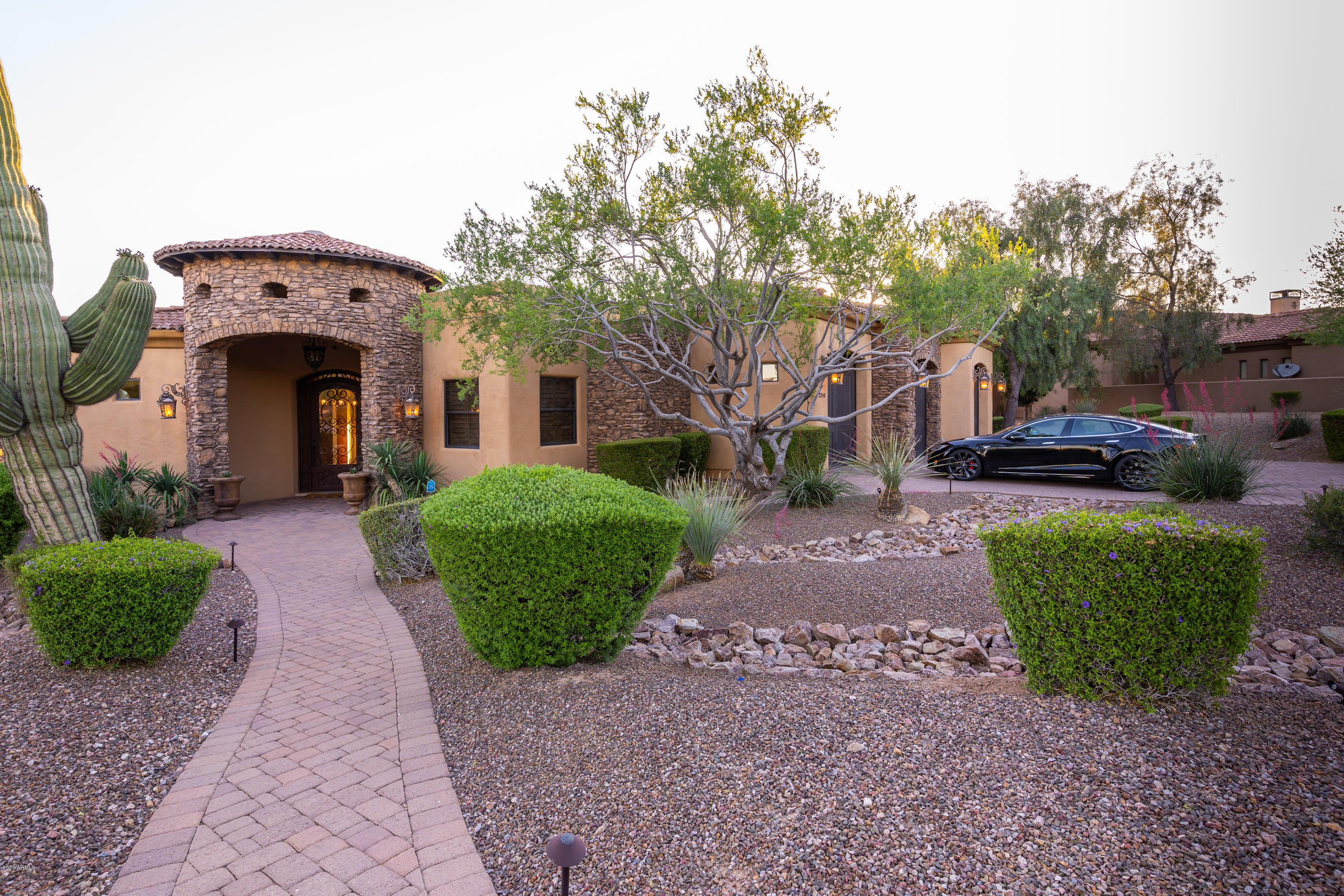 Photo of 3240 N LADERA Circle, Mesa, AZ 85207