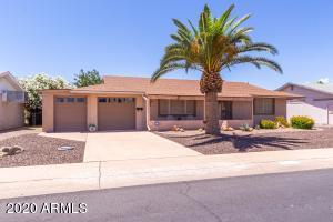 11636 N COGGINS Drive, Sun City, AZ 85351