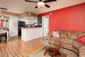 3601 W TIERRA BUENA Lane, 236, Phoenix, AZ 85053