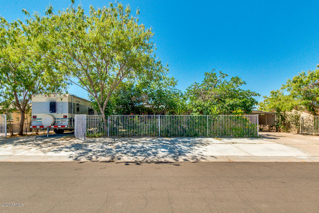 Photo of 1111 W CINNABAR Avenue, Phoenix, AZ 85021