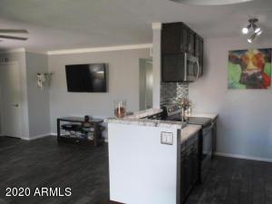5525 E Thomas Road, J6, Phoenix, AZ 85018