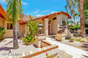 WELCOME TO 8630 E. APPALOOSA TRAIL IN BEAUTIFUL MCCORMICK RANCH!