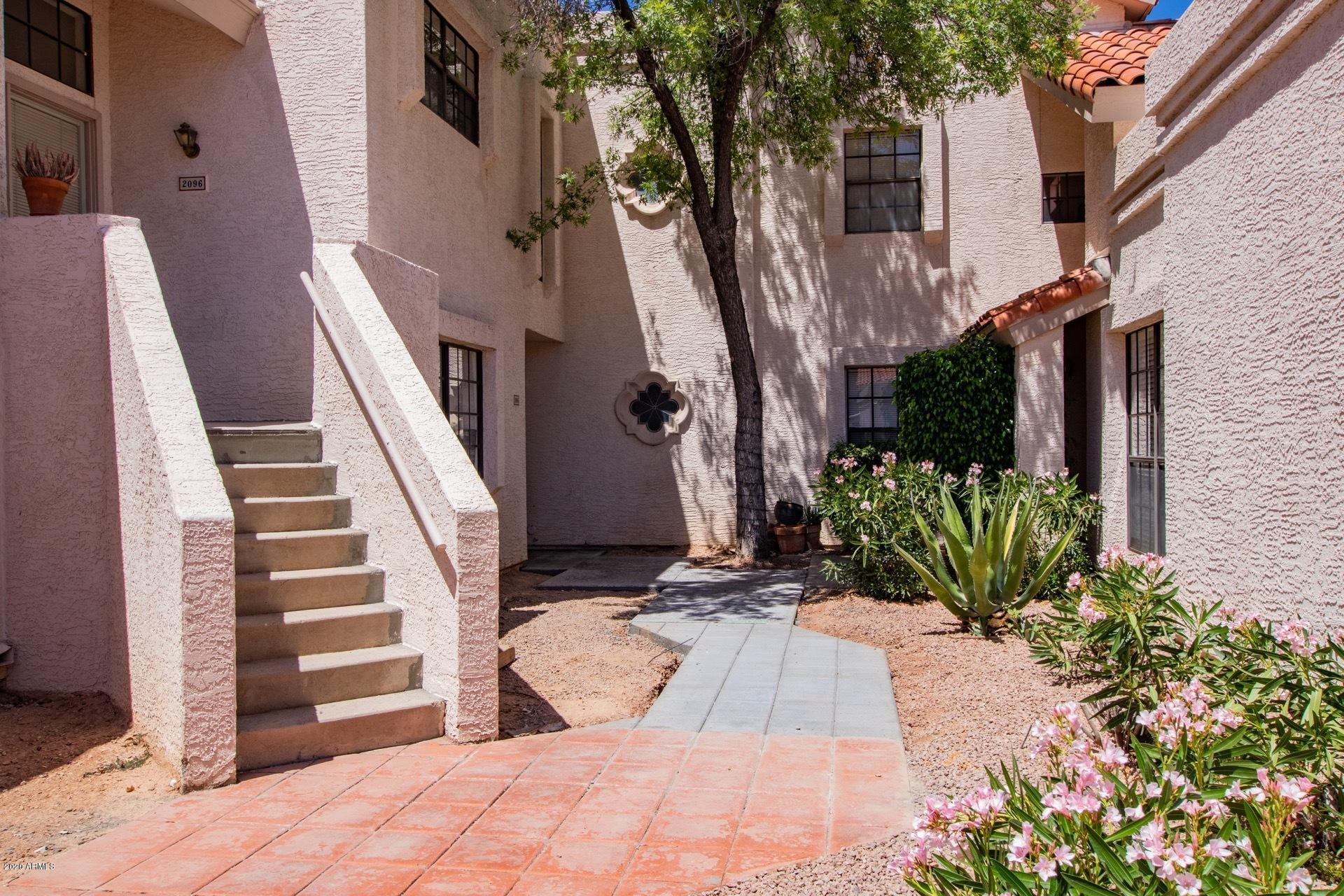 Photo of 7800 E LINCOLN Drive #1096, Scottsdale, AZ 85250
