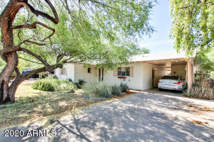 4039 E EARLL Drive, Phoenix, AZ 85018