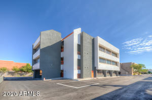 67 E WELDON Avenue, 200, Phoenix, AZ 85012