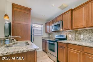 3737 E TURNEY Avenue, 215, Phoenix, AZ 85018