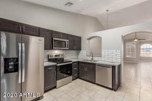 906 E BRUCE Avenue, Gilbert, AZ 85234