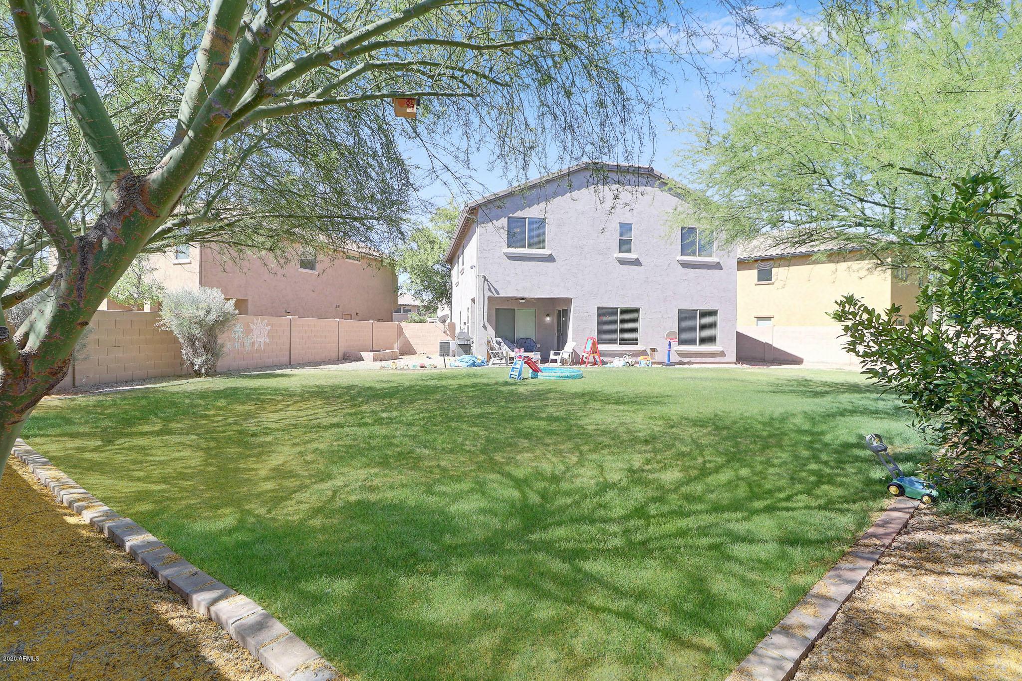 Photo of 2512 W LUCIA Drive, Phoenix, AZ 85085