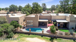 GOLF COURSE PATIO HOME WITH PRIVATE POOL!