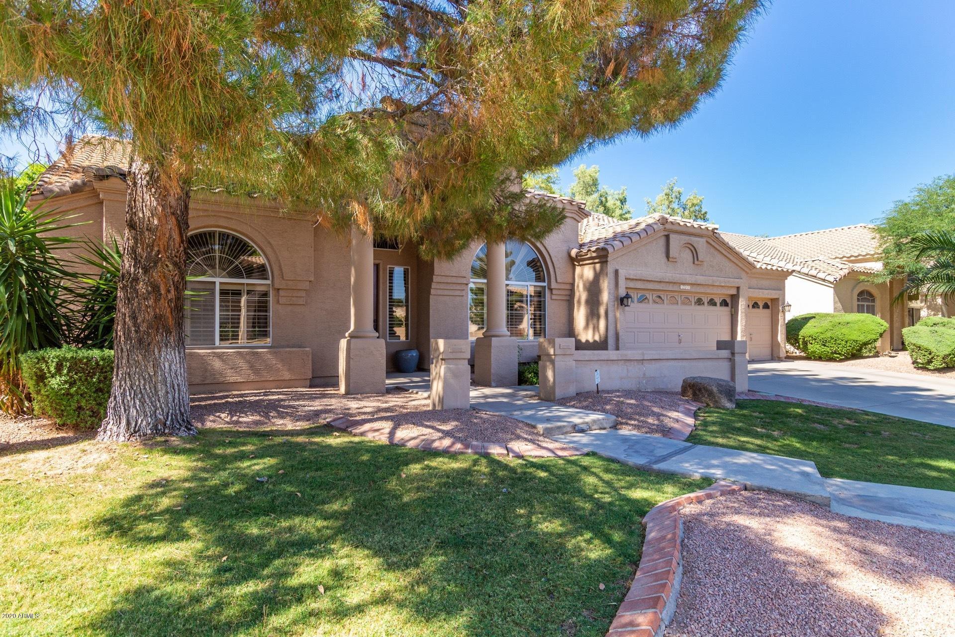 Photo of 5948 W ORCHID Lane, Chandler, AZ 85226