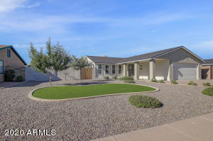 2405 N LONGMORE Street, Chandler, AZ 85224