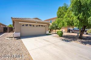 817 E GEONA Street, San Tan Valley, AZ 85140