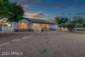 5371 N 82ND Avenue, Glendale, AZ 85303