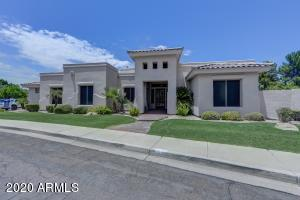 1442 N CLIFFSIDE Drive, Gilbert, AZ 85234