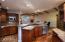 Chef's kitchen w/prep island/breakfast bar