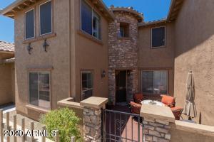 2040 W MARK Lane, Phoenix, AZ 85085