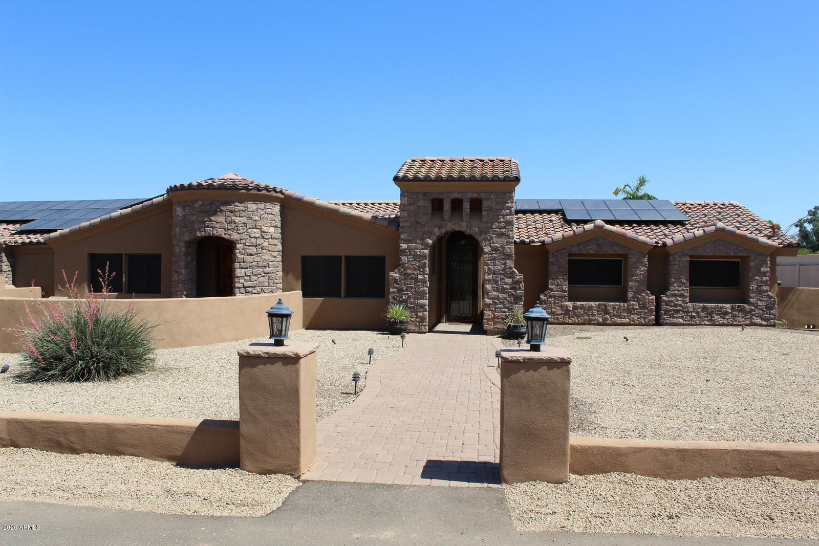 Photo of 3109 N GILBERT Road, Mesa, AZ 85203