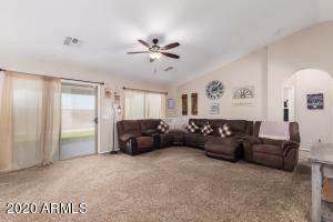 39587 N Telescomb Drive, San Tan Valley, AZ 85140