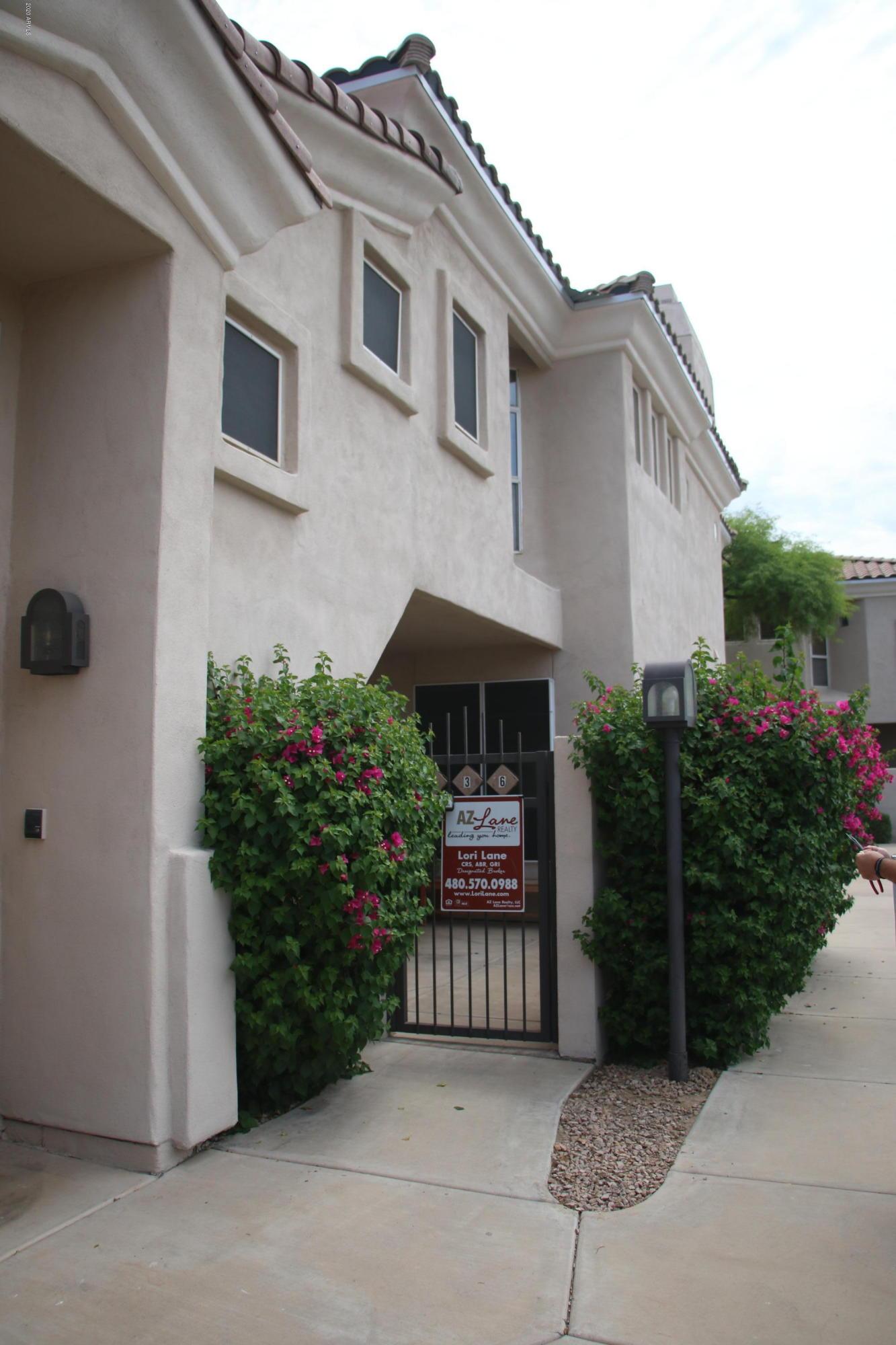 Photo of 1747 E NORTHERN Avenue #136, Phoenix, AZ 85020