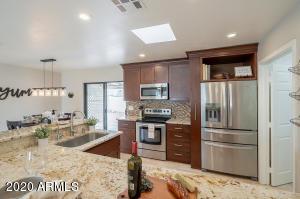 38 W Hillview Street, Mesa, AZ 85201