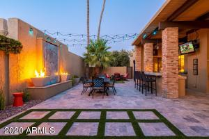 Entertainer's Dream! Newly Remodeled Backyard Paradise!