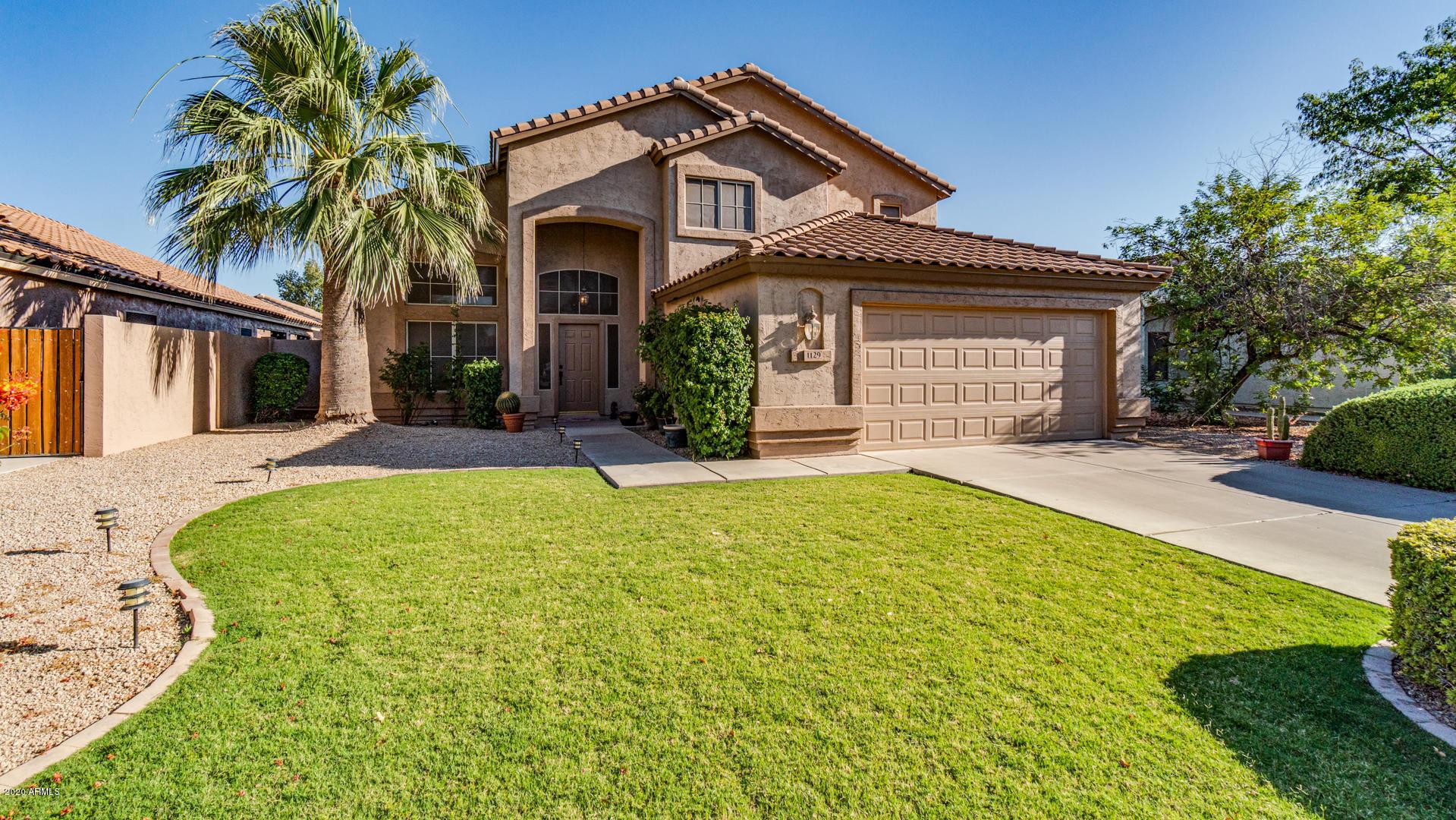 Photo of 1129 E JASPER Drive, Gilbert, AZ 85296