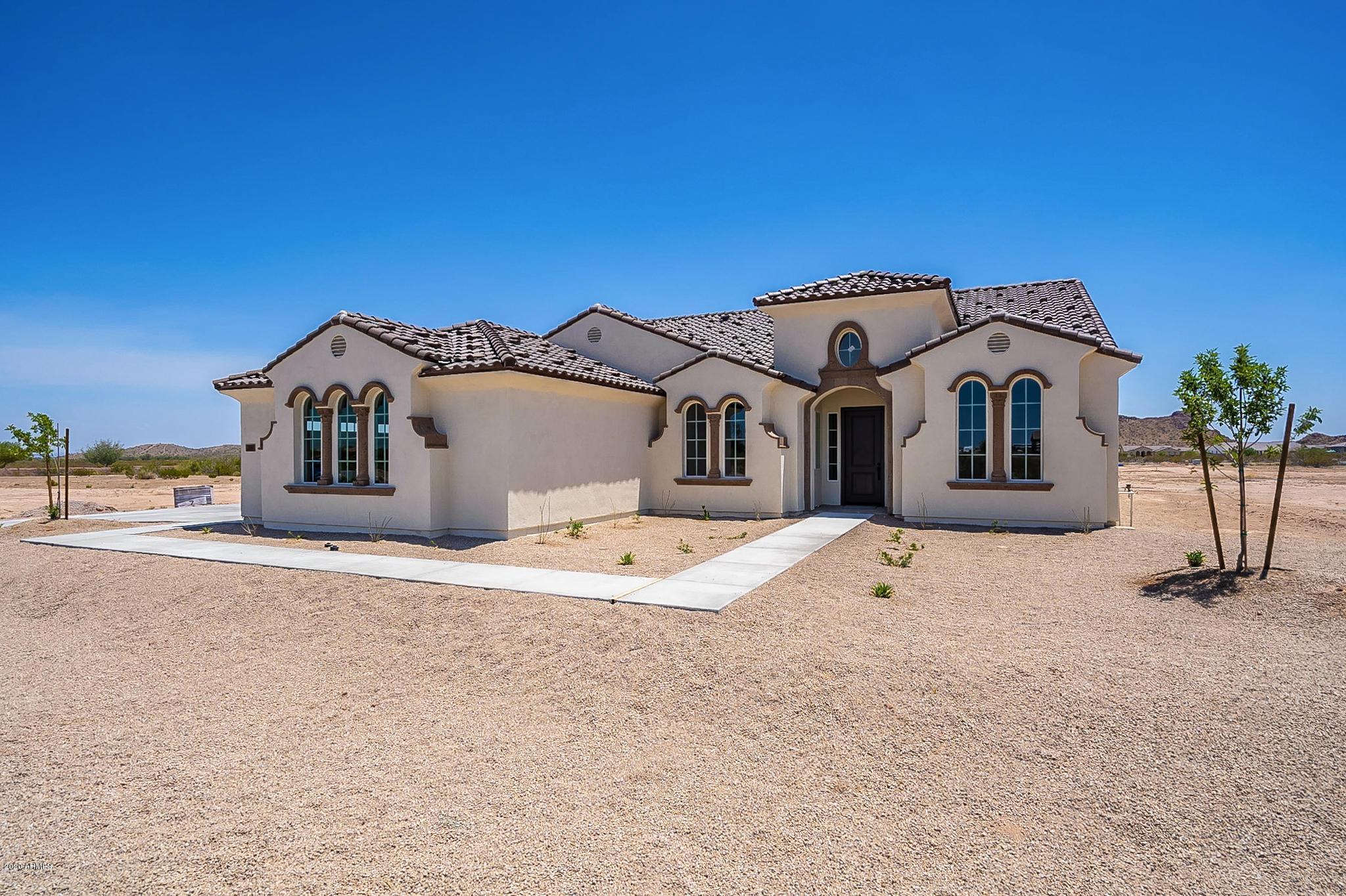 Photo of 289 W STERLING Street, San Tan Valley, AZ 85143