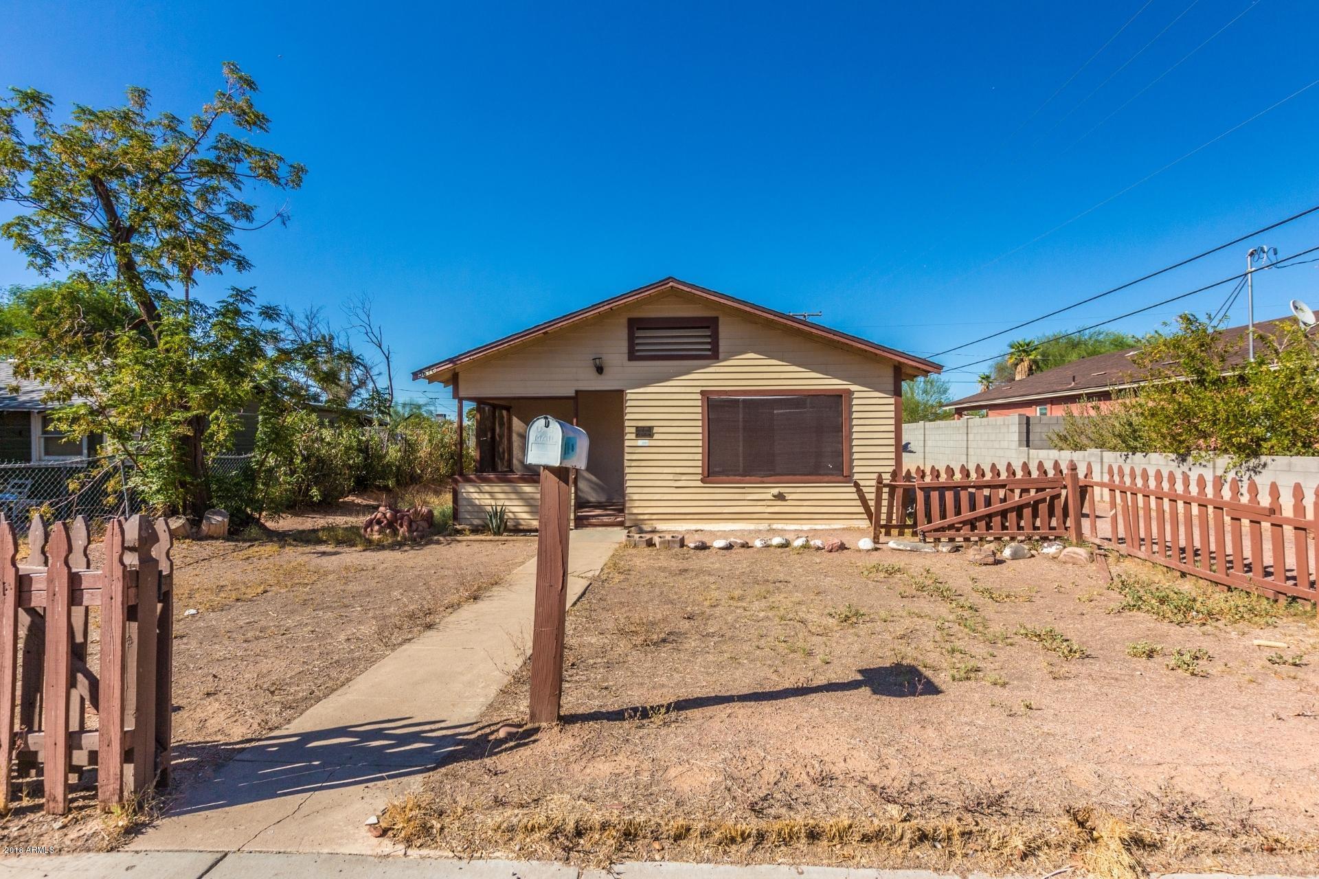 Photo of 5616 W NORTHVIEW Avenue, Glendale, AZ 85301