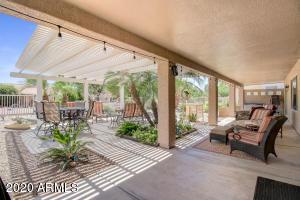 24323 S STARCREST Drive, Sun Lakes, AZ 85248