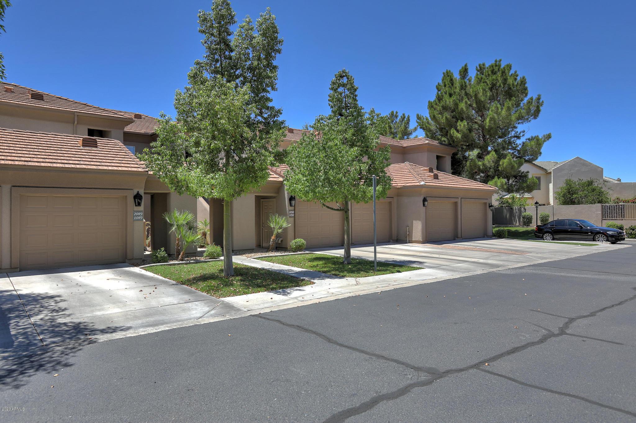 Photo of 7401 W ARROWHEAD CLUBHOUSE Drive #2089, Glendale, AZ 85308