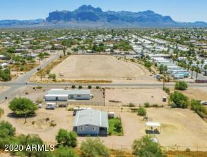 2487 W SMOKETREE Street, Apache Junction, AZ 85120