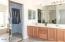 Dual sinks & large walk-in closet