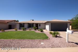 915 W LOUGHLIN Drive, Chandler, AZ 85225