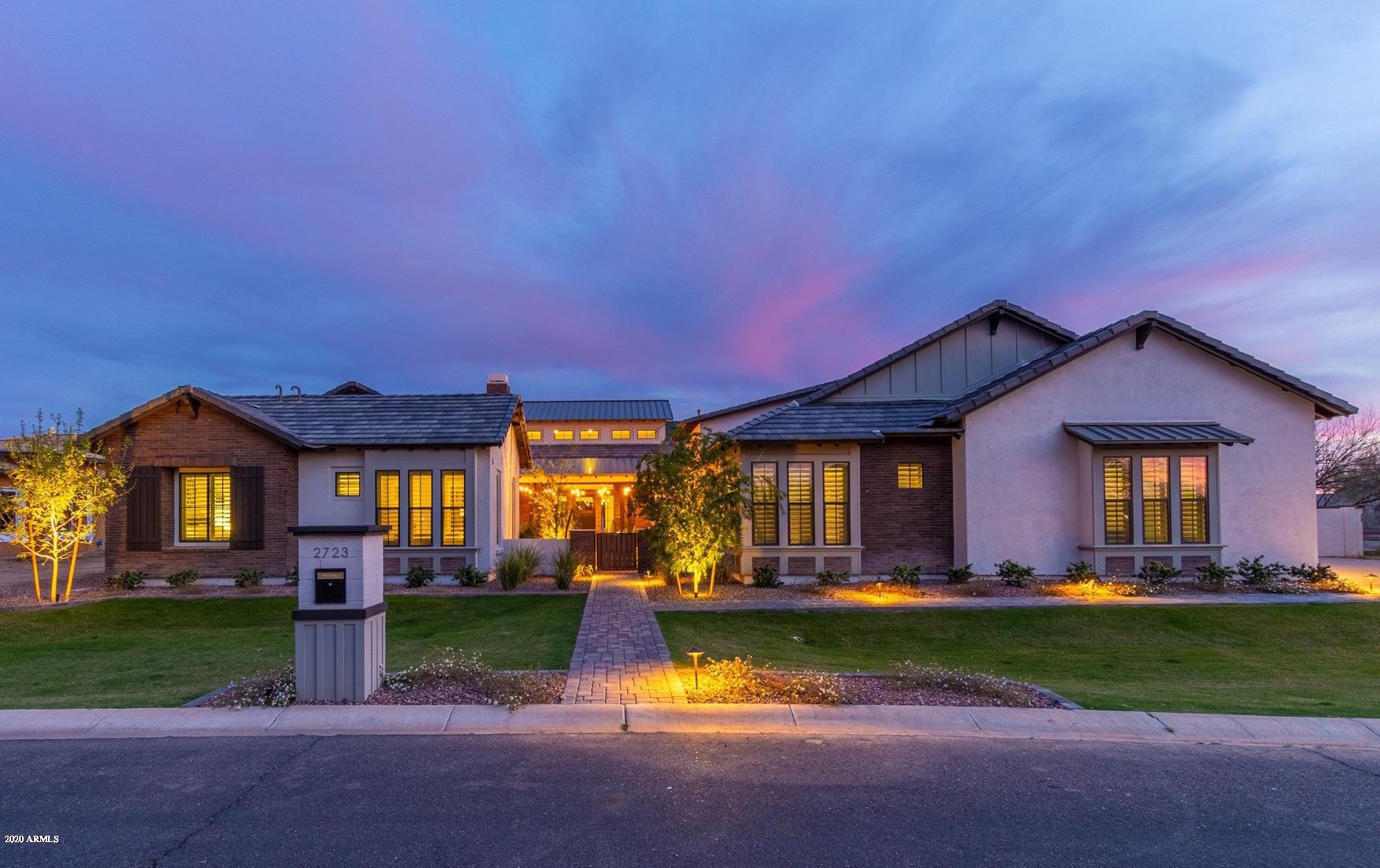 Photo of 2723 E WARBLER Road, Gilbert, AZ 85297