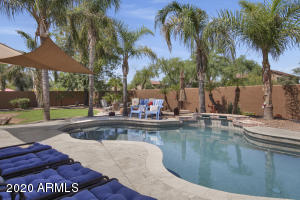 2868 S COTTONWOOD Drive, Gilbert, AZ 85295