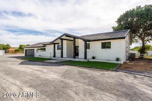 1990 S LINDSAY Road, Gilbert, AZ 85295