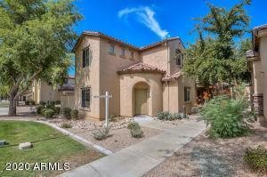 3704 W VIVIAN Court, Phoenix, AZ 85086