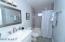 Hall bath w/ tub