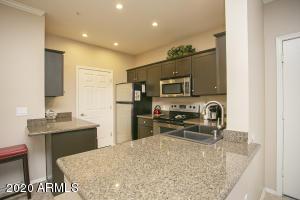 5345 E VAN BUREN Street, 305, Phoenix, AZ 85008