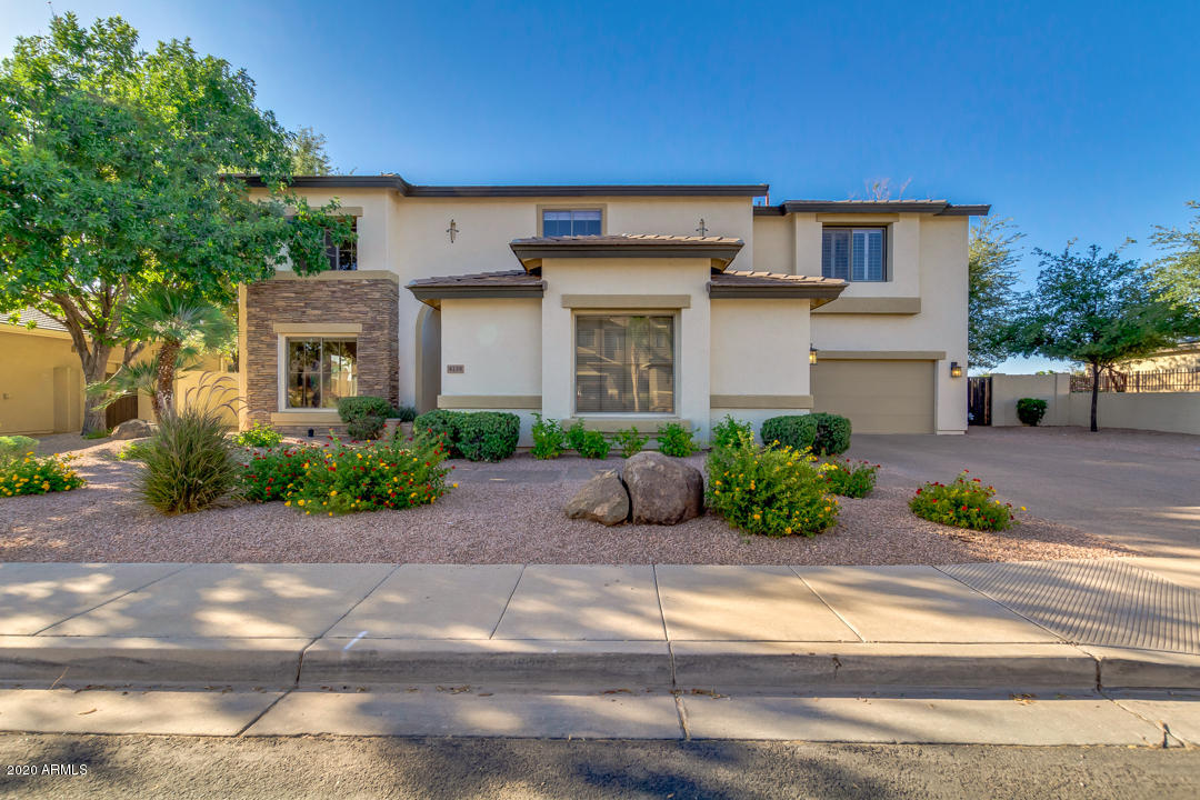 Photo of 4138 E CLUBVIEW Drive, Gilbert, AZ 85298