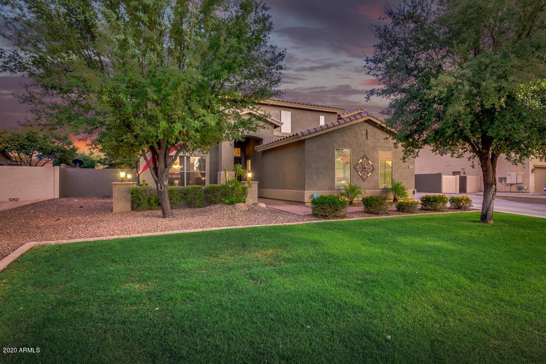 Photo of 4091 E RAVENSWOOD Drive, Gilbert, AZ 85298