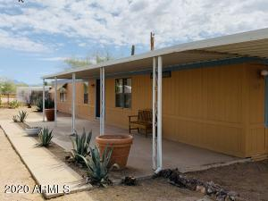 169 S TOMAHAWK Road, Apache Junction, AZ 85119