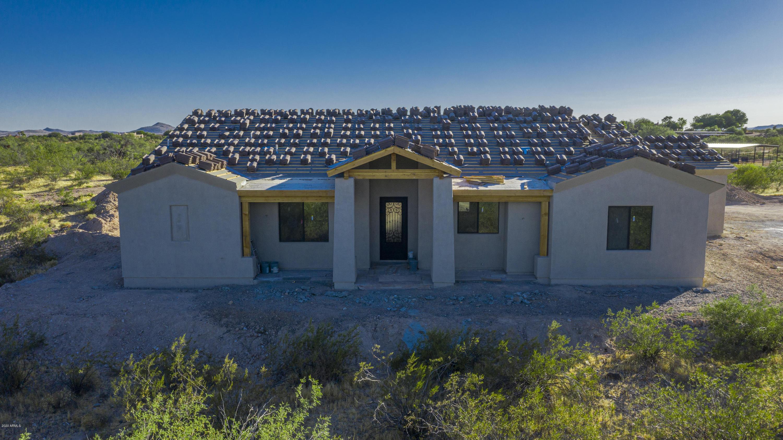 Photo of 21755 W EL GRANDE Trail, Wickenburg, AZ 85390