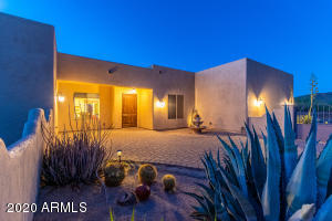 1012 E DESERT HILLS Drive, Phoenix, AZ 85086