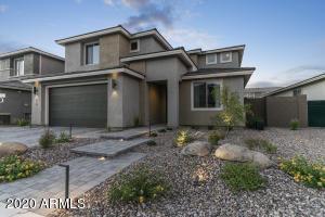 2916 E TINA Drive, Phoenix, AZ 85050