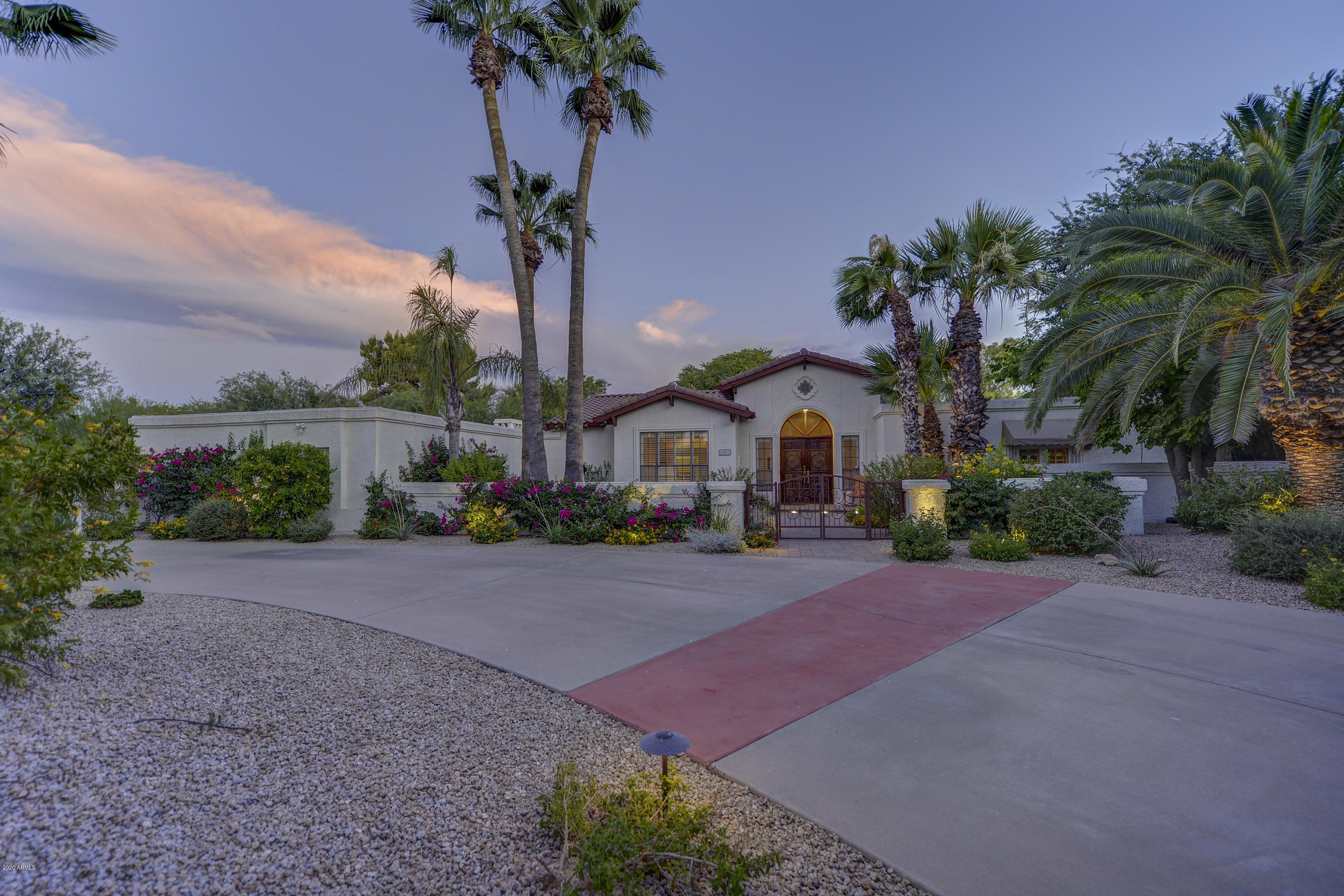 Property for sale at 6901 E Fanfol Drive, Paradise Valley,  Arizona 85253