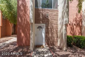 Remodeled unit ready to be your next home. Close to everything in Central Phoenix including the light rail.  New appliances to include new dishwasher, fridge, microwave and stove are installed. Note - no pets!