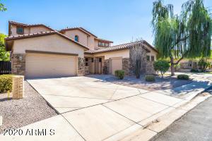 3813 E CAPRICORN Place, Chandler, AZ 85249