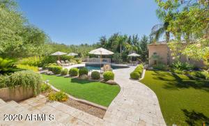 7525 N 70TH Street, Paradise Valley, AZ 85253